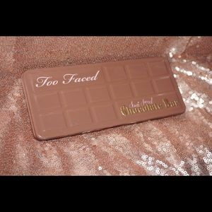Too Faced : The Semi Sweet Chocolate Bar Palette